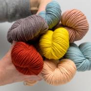 Fil indigo : des teintures végétales sur notre laine mérinos